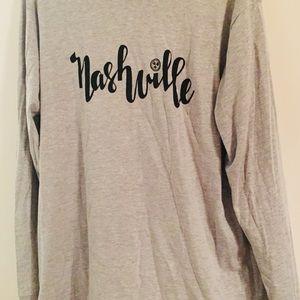 Tops - NWOT long sleeve light gray Nashville script tee L